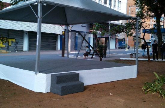 palco praticavel com tenda